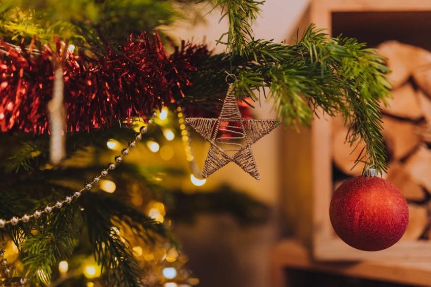 Reutiliza los adornos de navidad